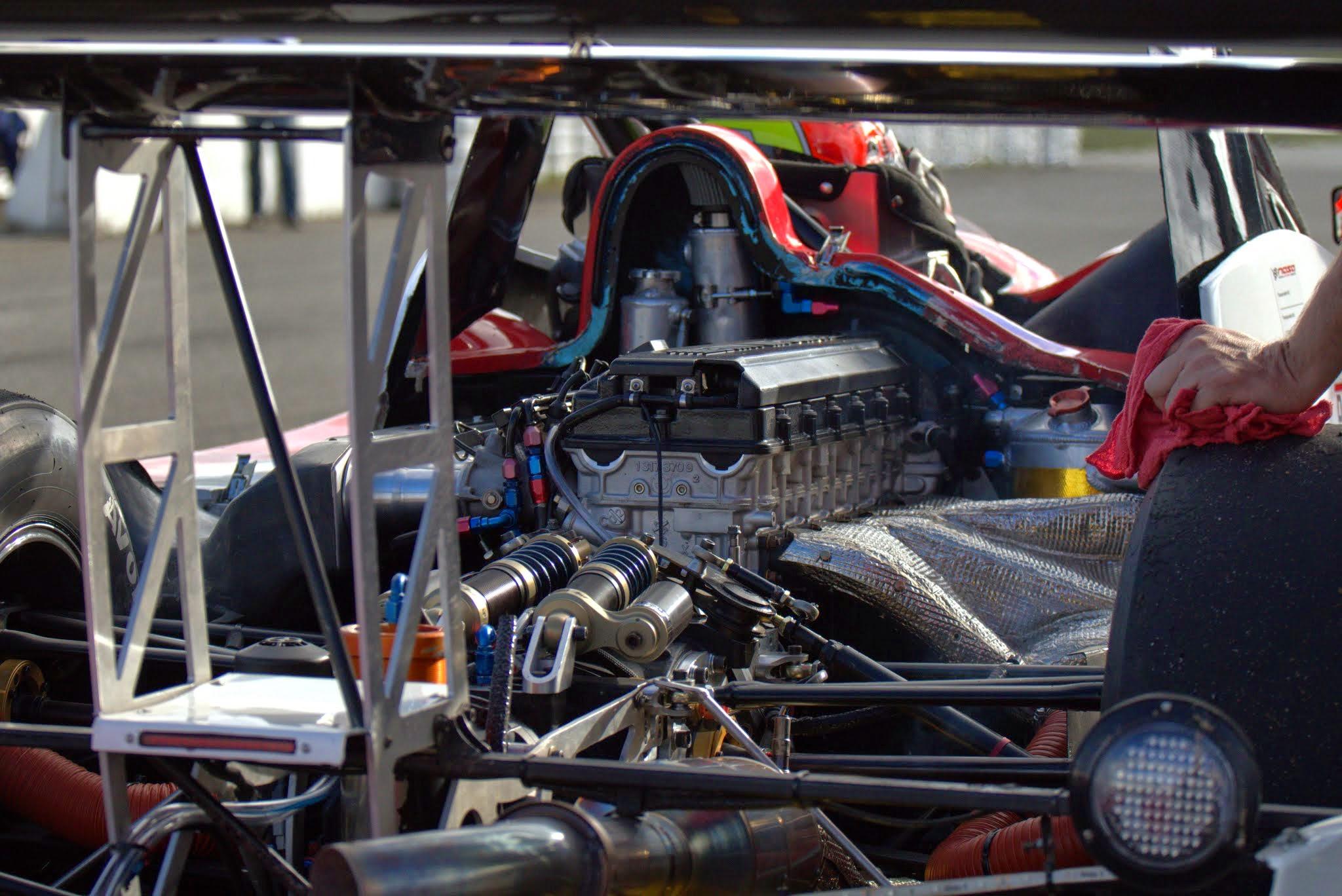 race-engine-detail